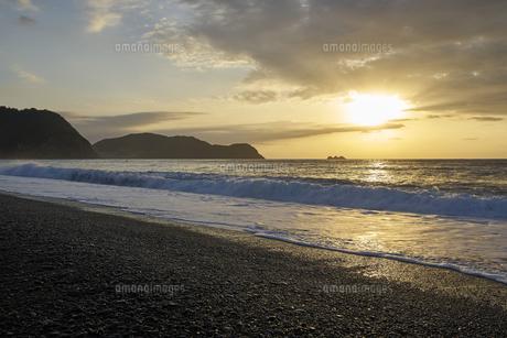 早朝の熊野灘の写真素材 [FYI04874955]