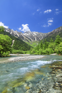 梓川と穂高連峰の写真素材 [FYI04875196]