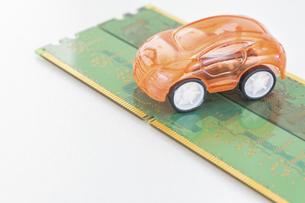 【EV】自動車と半導体 テクノロジーの写真素材 [FYI04875373]