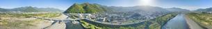 千曲川上空から望む坂城市街と北国街道と昭和橋の全周パノラマの写真素材 [FYI04875478]