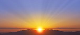 朝の光の写真素材 [FYI04876356]