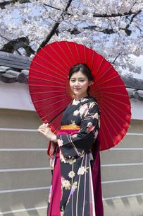 卒業袴振袖着物の写真素材 [FYI04876719]