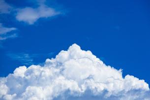 真夏の空の写真素材 [FYI04876916]