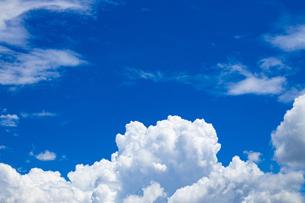真夏の空の写真素材 [FYI04876920]