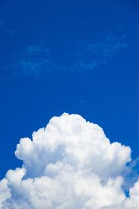 真夏の空の写真素材 [FYI04876921]