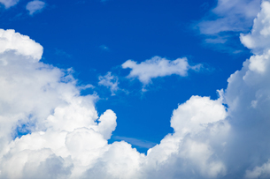 真夏の空の写真素材 [FYI04876924]