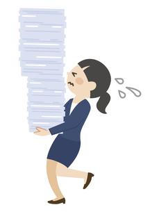 書類を運ぶビジネスウーマンのイラスト素材 [FYI04877086]