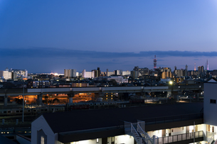 日暮れの仙台市街並みの写真素材 [FYI04877771]