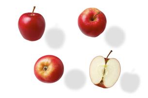 白い背景 赤いリンゴの写真素材 [FYI04880245]