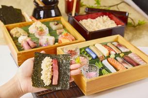 手巻き寿司の写真素材 [FYI04881325]