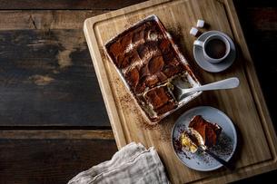Italian dessert Tiramisu and espresso coffee. Delicious sweets image.の写真素材 [FYI04881645]