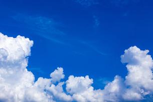 真夏の空の写真素材 [FYI04882262]