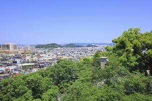 紀三井寺 仏殿展望所から望む和歌山市街の写真素材 [FYI04883220]