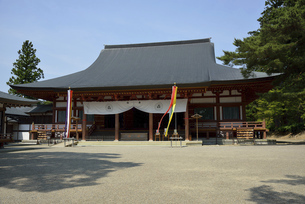 毛越寺 本堂の写真素材 [FYI04883589]