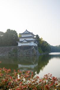 名古屋城西北隅櫓と外濠の写真素材 [FYI04884290]