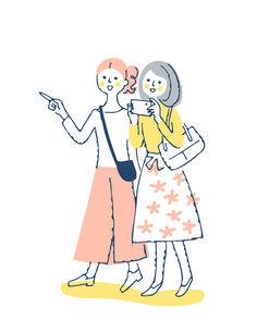笑顔で歩く2人の女性のイラスト素材 [FYI04886062]
