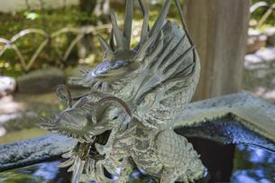 伊豆修禅寺 境内にある温泉の湧き出る水屋の写真素材 [FYI04886114]