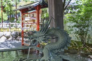 伊豆修禅寺 境内にある温泉の湧き出る水屋の写真素材 [FYI04886116]