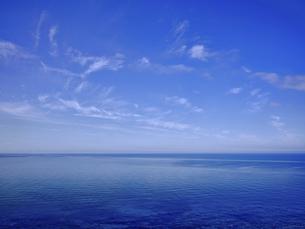 青い空と青い海の写真素材 [FYI04886490]
