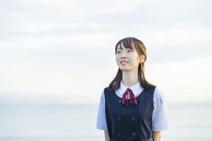 笑顔の女子高生の写真素材 [FYI04886690]