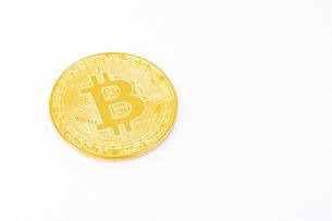 【仮想通貨】ビットコイン 背景素材の写真素材 [FYI04886919]