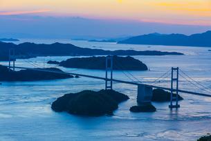 しまなみ海道の夕景の写真素材 [FYI04886953]