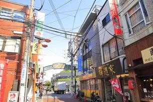 野方駅周辺の商店街の写真素材 [FYI04887247]