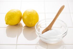 クエン酸とレモンの写真素材 [FYI04887825]
