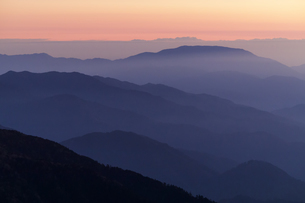 島田娘から夕景の恵那山の写真素材 [FYI04888045]