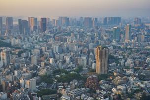 早朝の東京(南麻布、品川方面)の写真素材 [FYI04888207]
