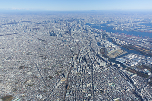 空撮・東京南部を南側から撮影の写真素材 [FYI04888244]