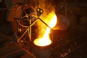 鋳物工場の写真素材 [FYI04889235]