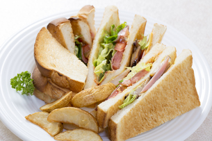 サンドイッチの写真素材 [FYI04889612]