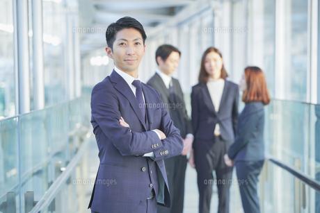 ビジネスマンの写真素材 [FYI04889662]