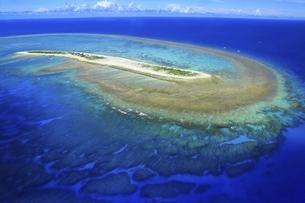 沖縄県 慶良間諸島の空撮の写真素材 [FYI04889697]