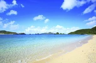 沖縄県 座間味島の阿真ビーチの写真素材 [FYI04889734]