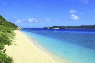 沖縄県 阿嘉島のニシバマビーチの写真素材 [FYI04889757]