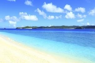 沖縄県 阿嘉島のニシバマビーチの写真素材 [FYI04889766]
