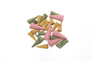 様々な色と香りのコーン香の写真素材 [FYI04889988]