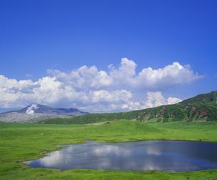 熊本県 風景 草千里ヶ浜の写真素材 [FYI04890248]