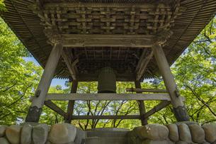 伊豆修善寺の観光名所 修禅寺境内の鐘楼堂の写真素材 [FYI04890549]