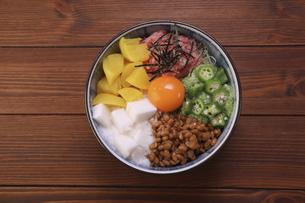 バクダン丼の写真素材 [FYI04891219]