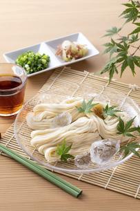 素麺を食べるの写真素材 [FYI04893213]