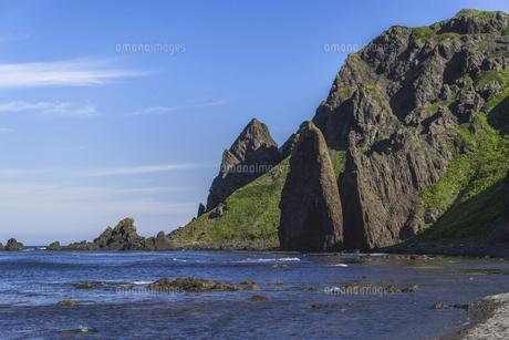 礼文島の奇岩・地蔵岩の写真素材 [FYI04893966]