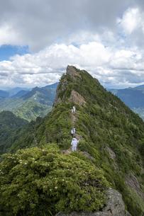石鎚山 天狗岳山頂(愛媛県)の写真素材 [FYI04894142]