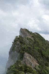 石鎚山 天狗岳山頂(愛媛県)の写真素材 [FYI04894150]