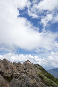 石鎚山 天狗岳山頂(愛媛県)の写真素材 [FYI04894157]