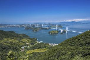 大島亀老山から見た来島海峡(しまなみ海道)の写真素材 [FYI04894178]