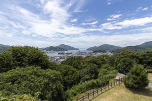 宇和島城からの市街地の眺めの写真素材 [FYI04894199]