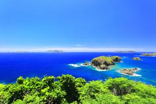 小笠原国立公園 母島の小富士より姪島などの島々を望むの写真素材 [FYI04895447]